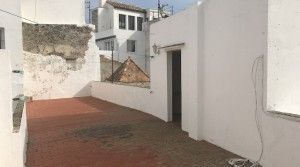 tarifarealestate-V-JJC-property-with-potential-old-town-acess-terrace