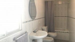 tarifarealestate-V-JJC-property-with-potential-old-town-bathroom